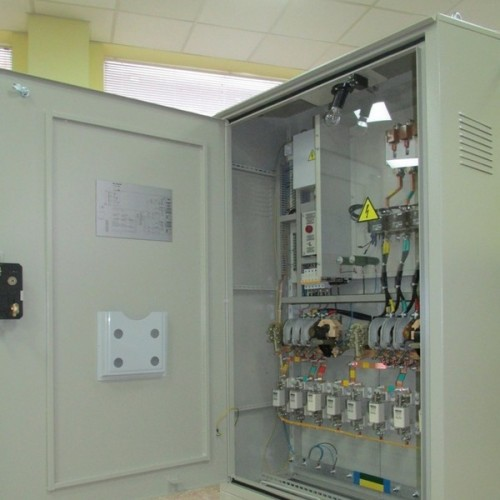 Cabinet outdoor lighting control